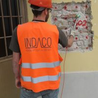Prova sonica eseguita sulla muratura portante di un edifico a San ginesio (MC)